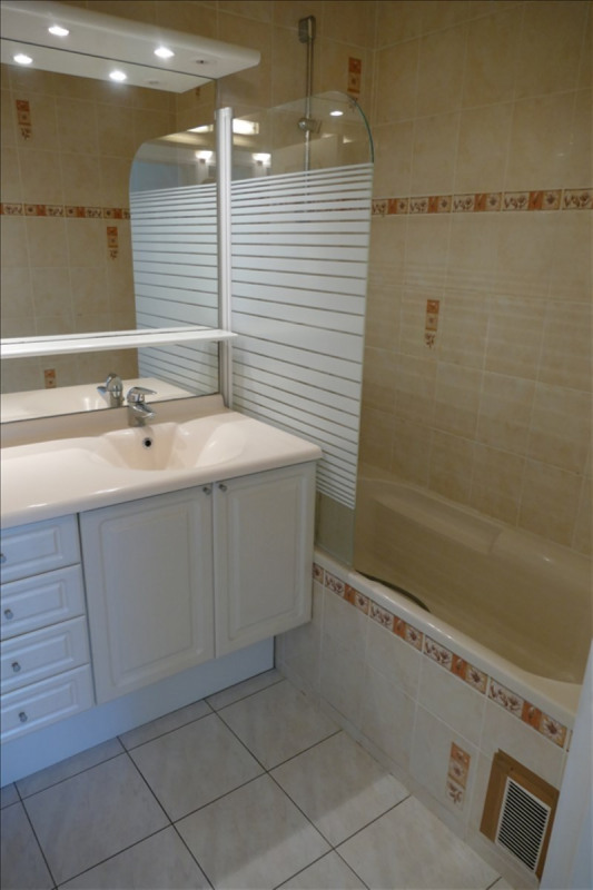 Rental apartment Verrieres le buisson 1115€ CC - Picture 4