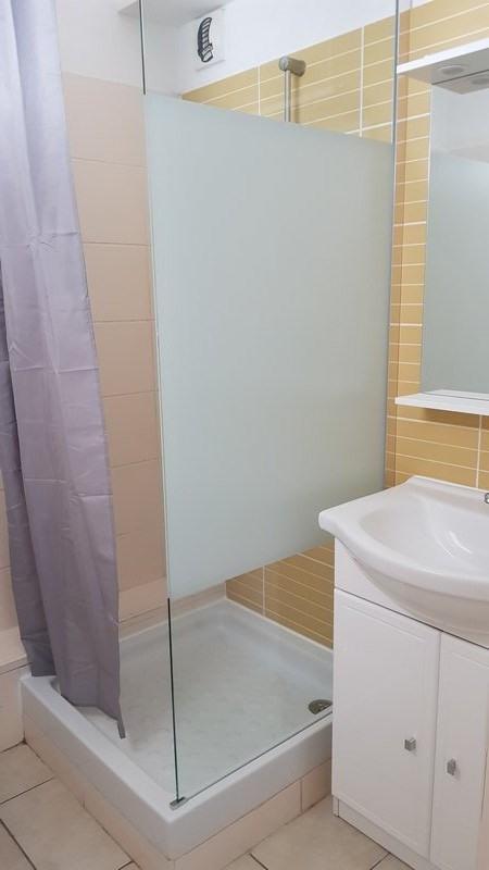 Location appartement St denis 390€ CC - Photo 5
