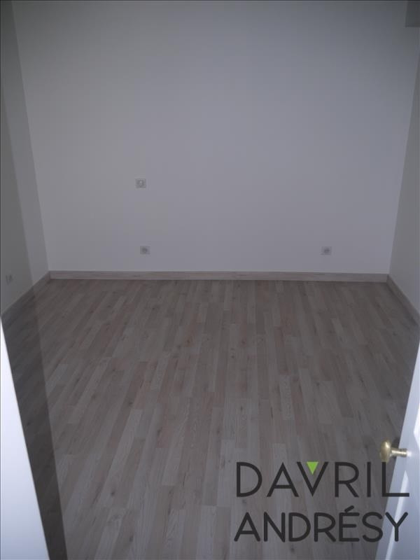 Location maison / villa Andresy 1 100€ CC - Photo 3