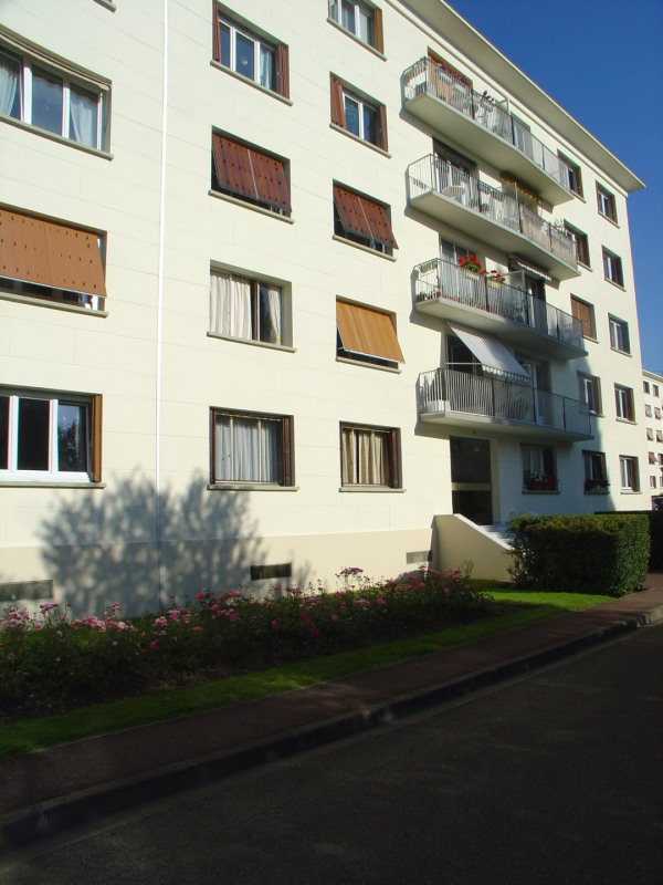 Sale apartment La celle st cloud 257 000€ - Picture 2