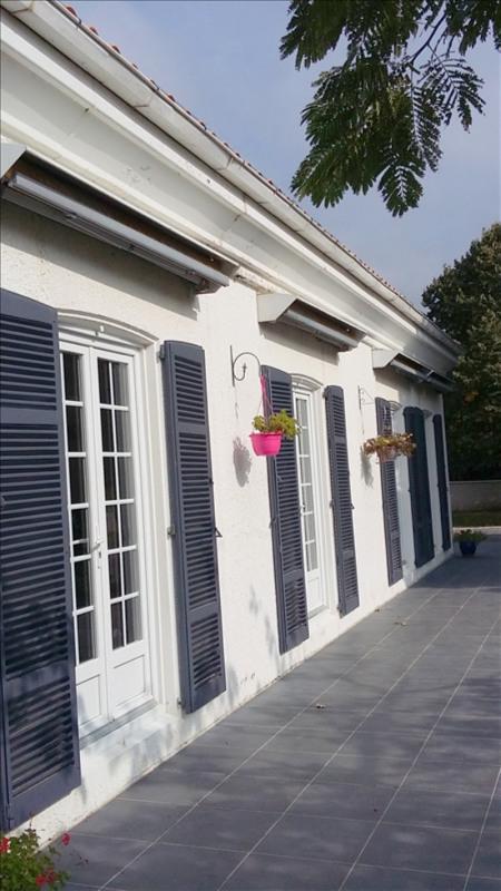 Deluxe sale house / villa Saujon 295400€ - Picture 2