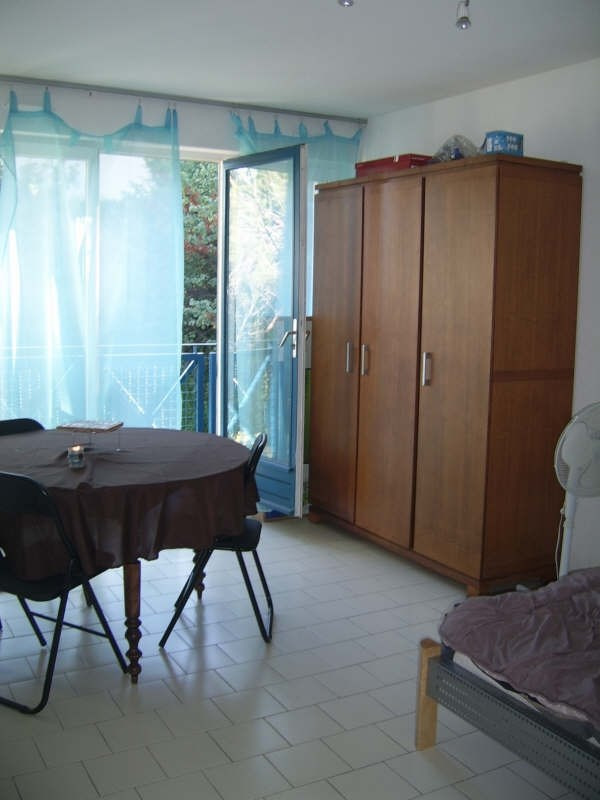 Sale apartment Nimes 63 000€ - Picture 2