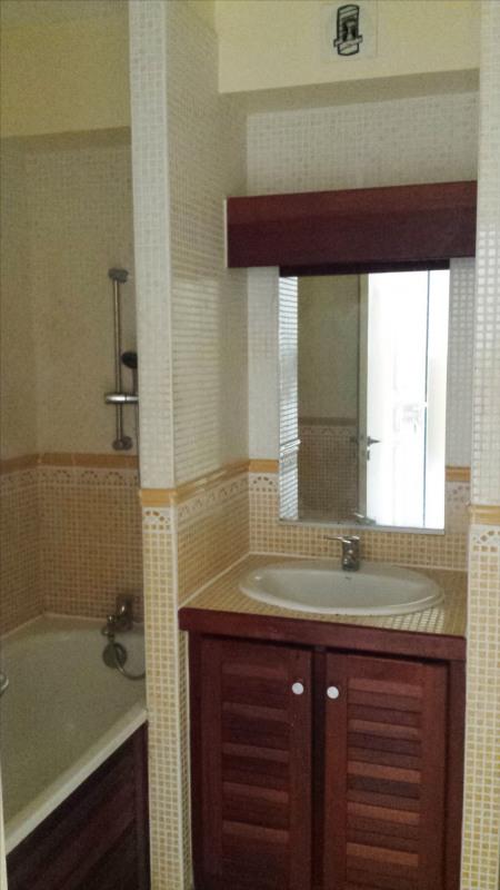 Revenda apartamento Saint gilles les hauts 90000€ - Fotografia 4