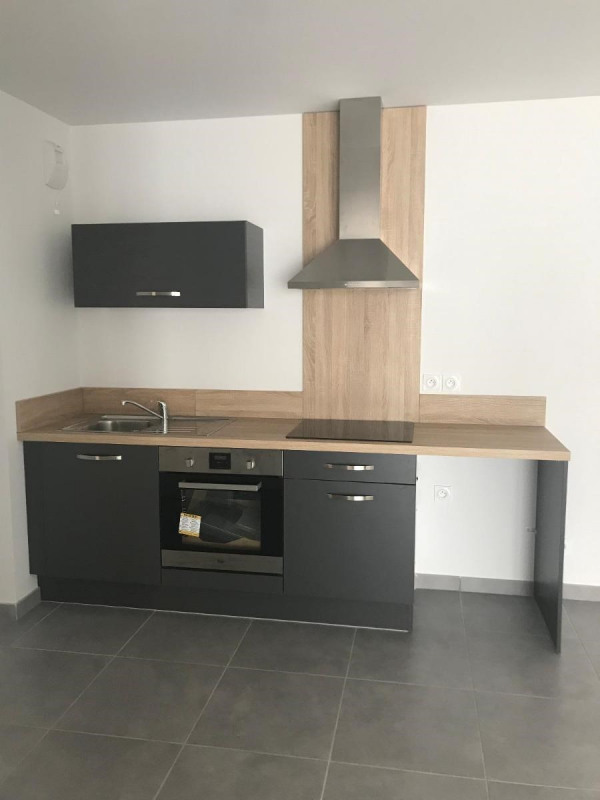 Location appartement Bron 910€ CC - Photo 2