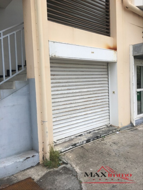 Location local commercial St pierre 2 500€ HT/HC - Photo 3
