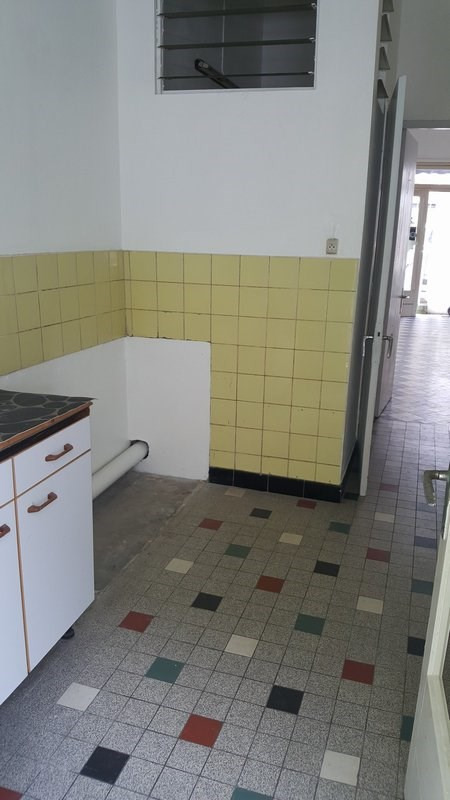Location local commercial St denis 696€ CC - Photo 6