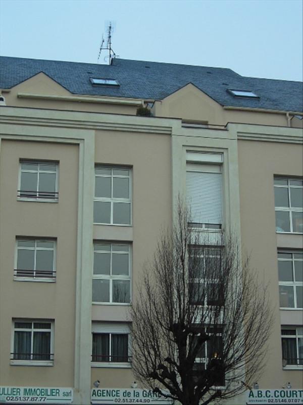 Location appartement La roche sur yon 440€ CC - Photo 1