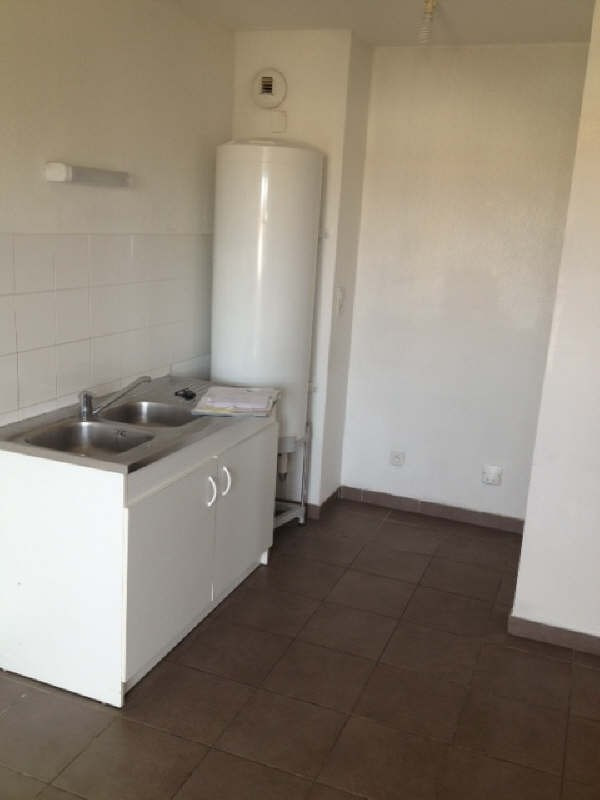 Rental apartment Frontignan 636€ CC - Picture 2