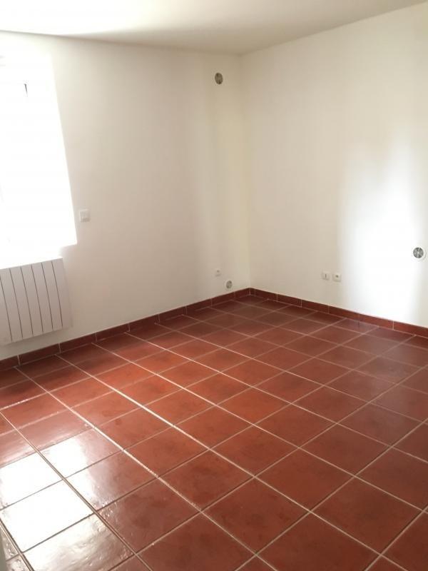 Location appartement Bonnelles 630€ CC - Photo 6