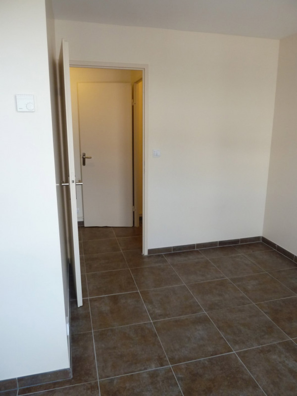 Rental apartment Combs-la-ville 605€ CC - Picture 3