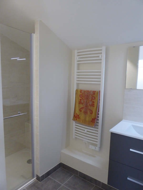Location appartement La verriere 762€ CC - Photo 3