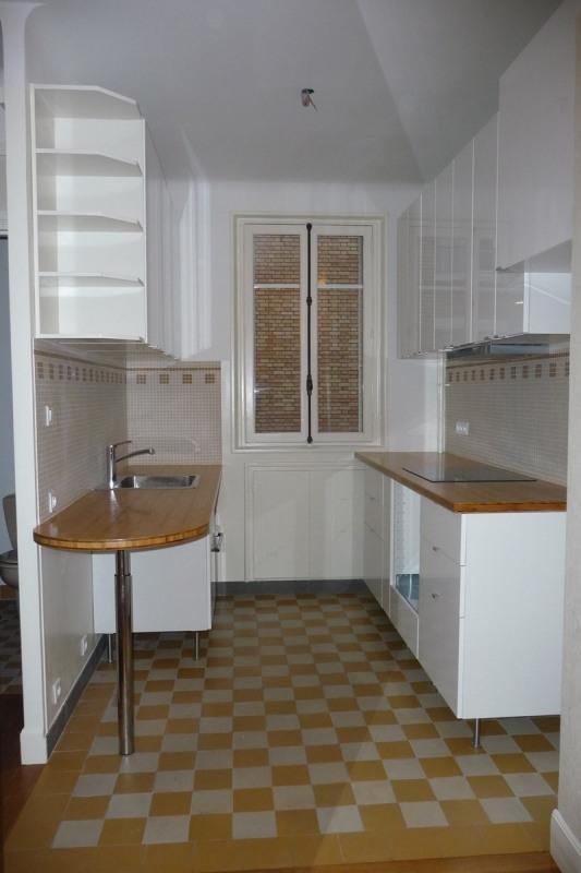 Location appartement Paris 16ème 1430€ CC - Photo 3