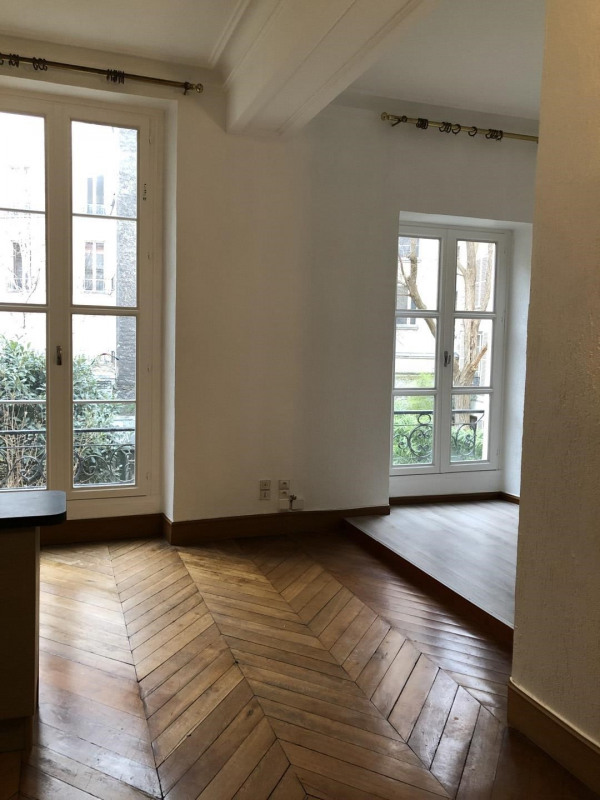Rental apartment Paris 4ème 1400€ CC - Picture 2
