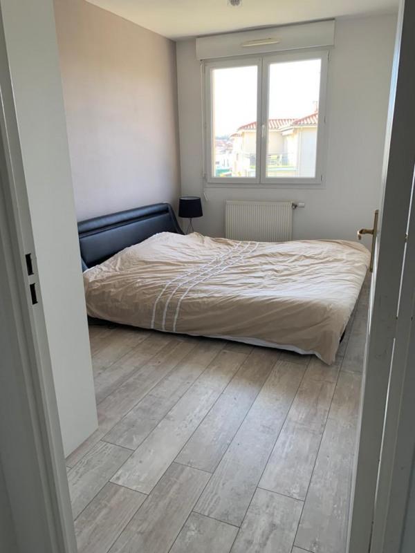Location appartement Roche-la-moliere 700€ CC - Photo 5