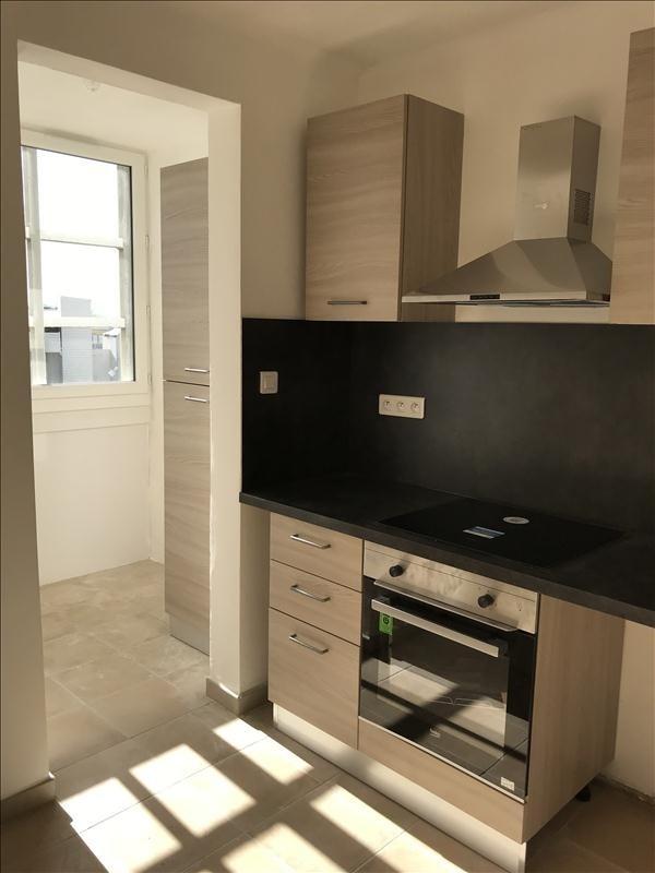 Location appartement Toulon 770€ CC - Photo 2