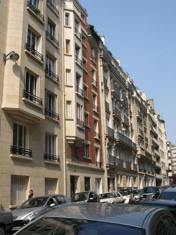 Location appartement Paris 16ème 1430€ CC - Photo 1