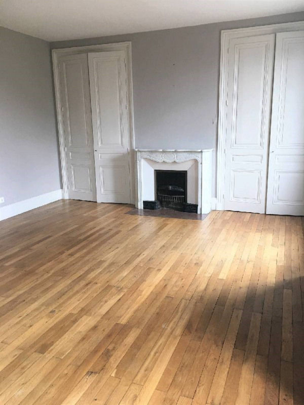 Location maison / villa Charly 1 890€ CC - Photo 5