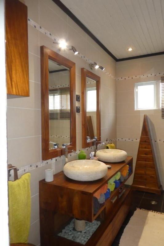 Vente maison / villa Petite ile 493500€ - Photo 5