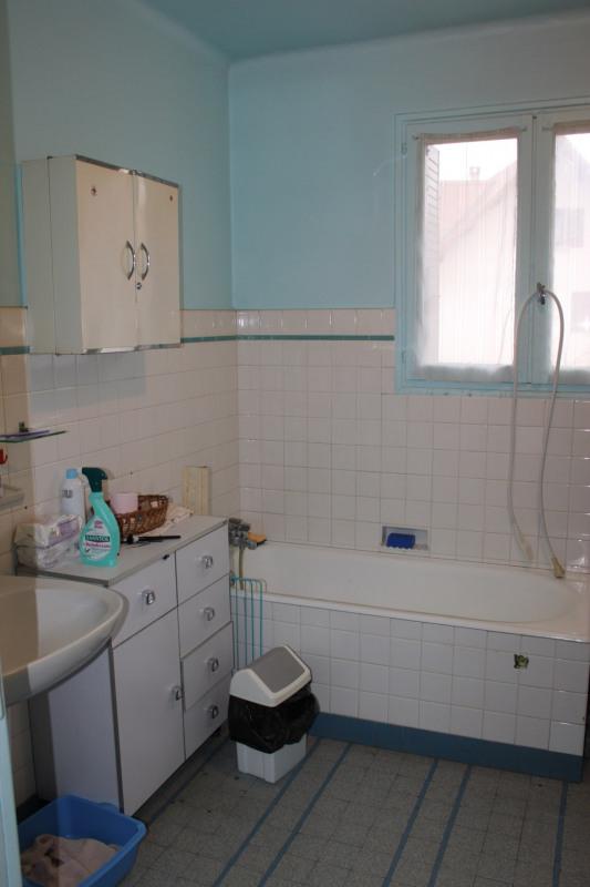 Sale house / villa Lons-le-saunier 180000€ - Picture 2