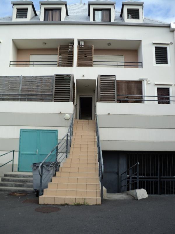Rental apartment St denis 598€ CC - Picture 1