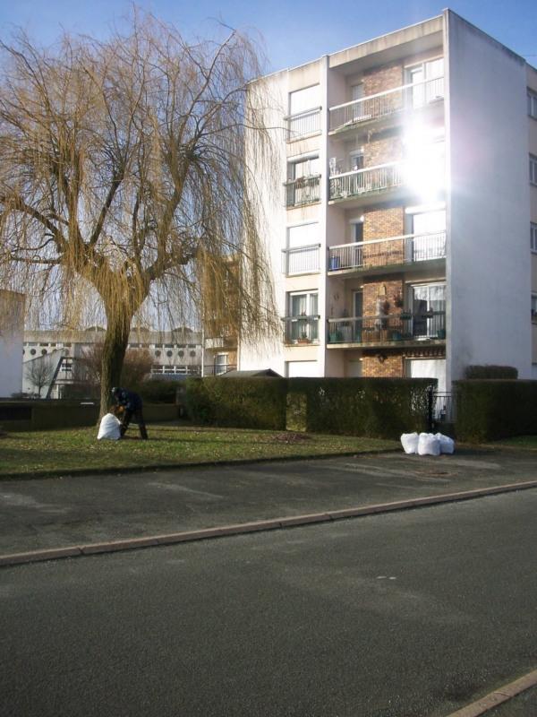 Location appartement Maurepas 822€ CC - Photo 2