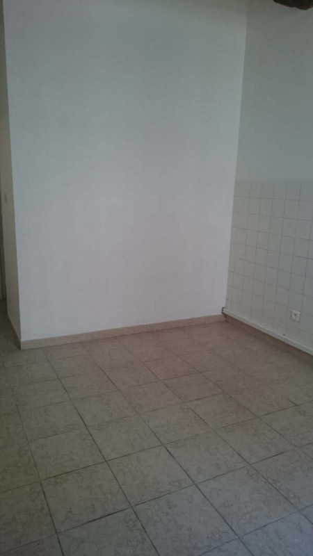 Location appartement Nimes 385€ CC - Photo 8