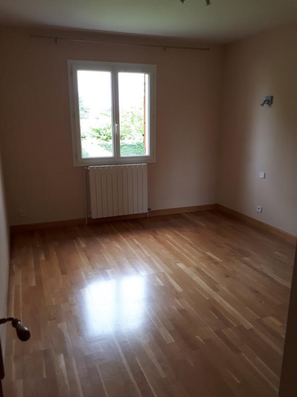 Rental house / villa Saint-selve 1211€ CC - Picture 8