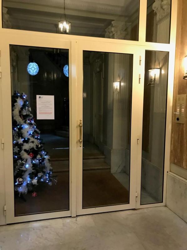 Rental office Paris 8ème 2950€ CC - Picture 2