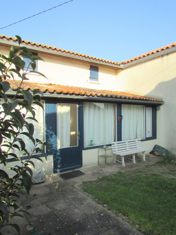 Sale house / villa Aigre 66 000€ - Picture 3
