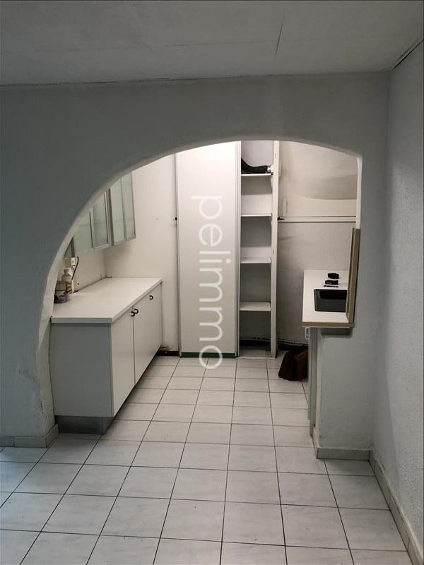 Location local commercial Eyguieres 620€ HT/HC - Photo 4