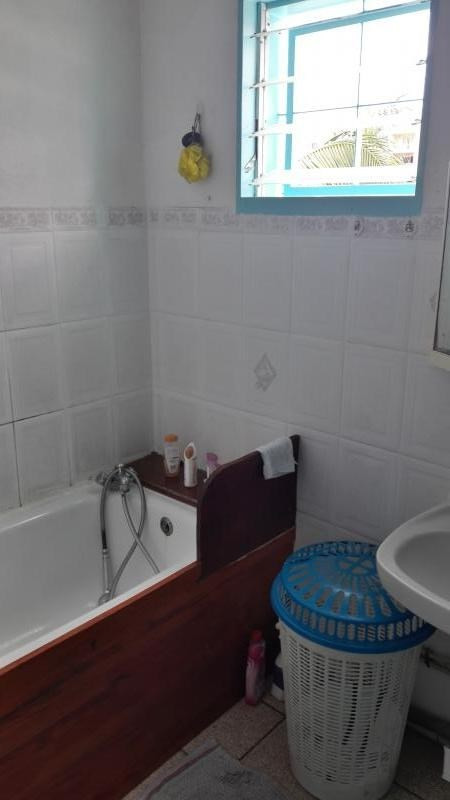 Vente maison / villa Le port 152000€ - Photo 8