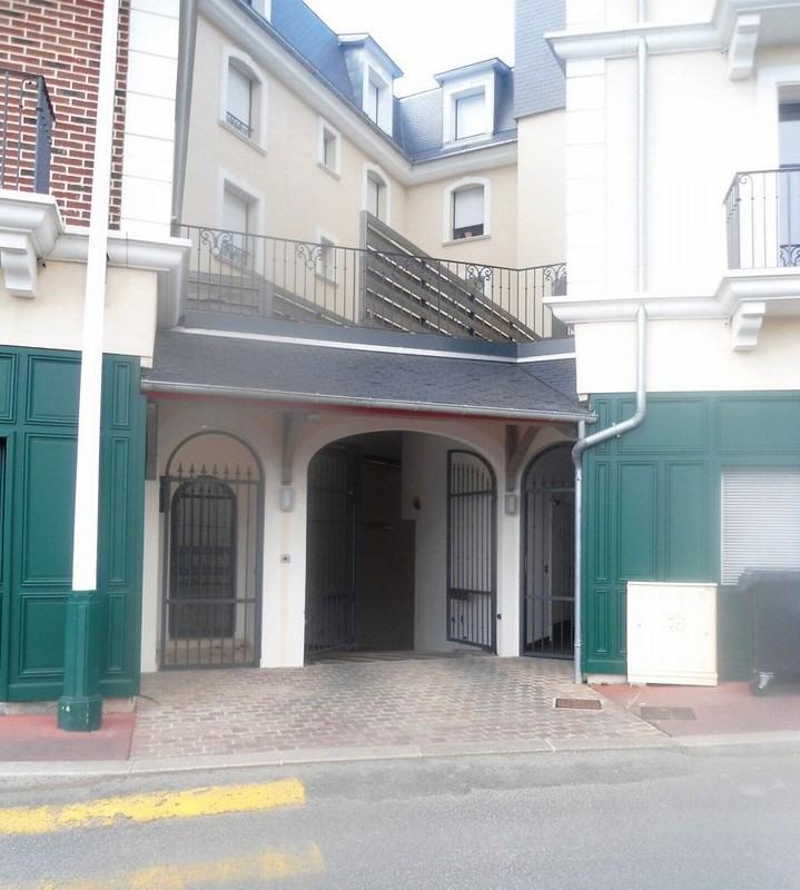 Revenda residencial de prestígio apartamento Deauville 826800€ - Fotografia 9