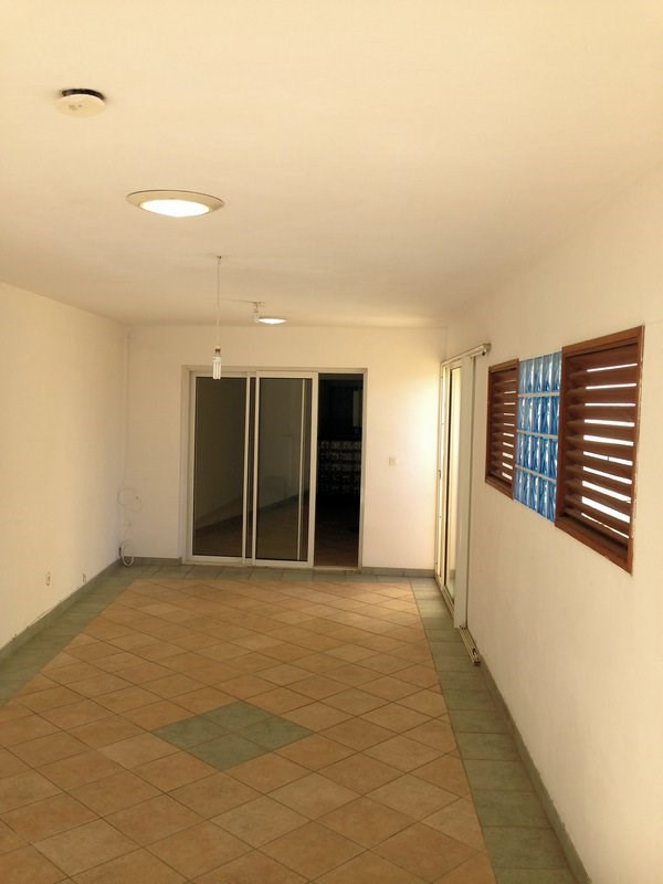 Rental empty room/storage Terre sainte 1600€ CC - Picture 4