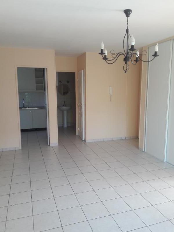 Location appartement Le perray en yvelines 690€ CC - Photo 3