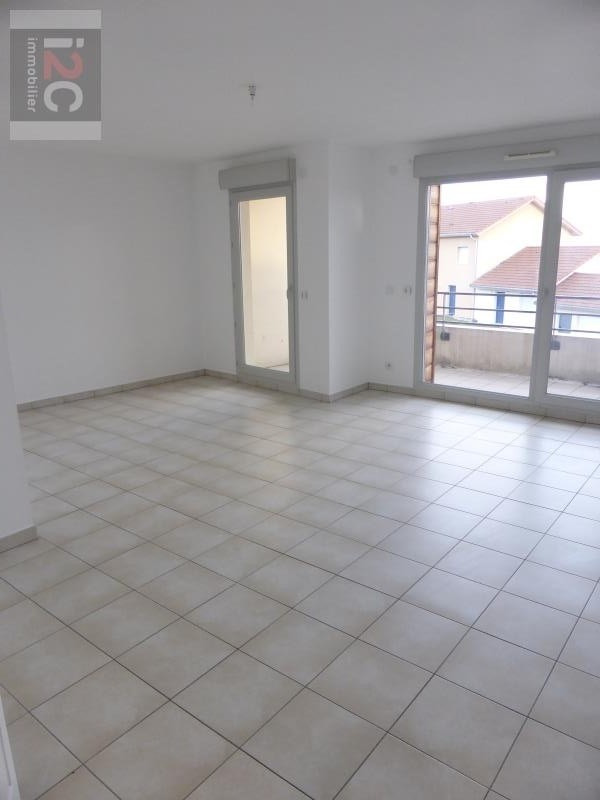 Location appartement Cessy 1 431€ CC - Photo 2