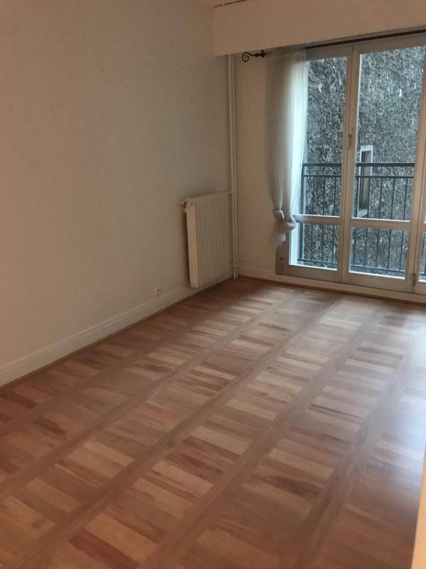 Location appartement Paris 17ème 1329€ CC - Photo 2