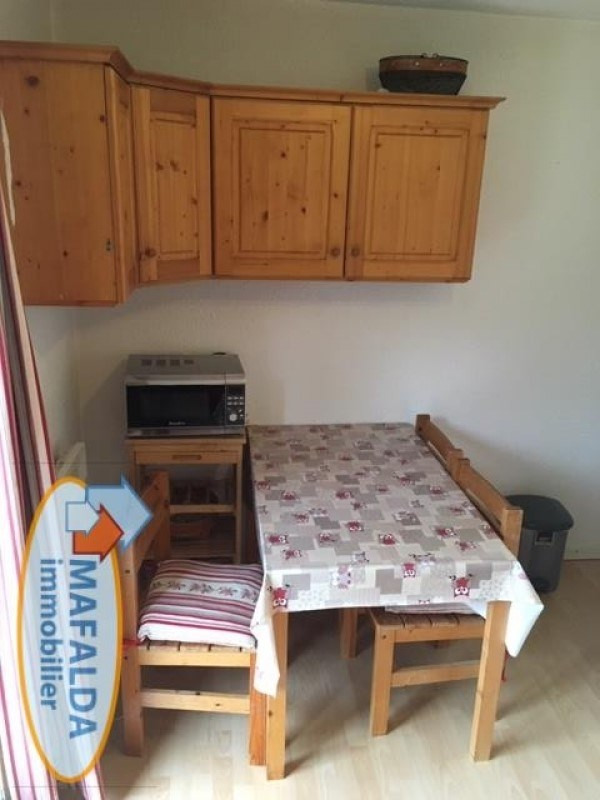 Rental apartment Mont saxonnex 310€ CC - Picture 2