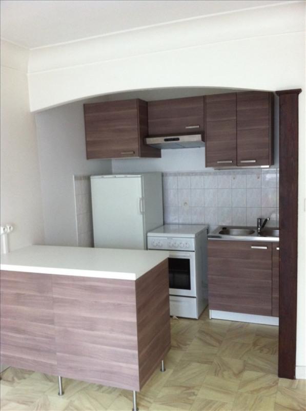 Rental apartment La roche sur yon 428€ CC - Picture 2
