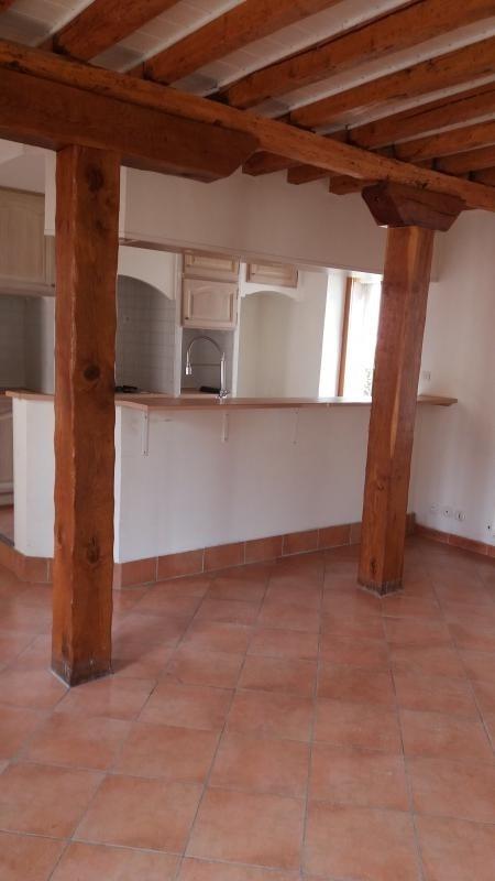 Rental house / villa Montereau fault yonne 570€ CC - Picture 1