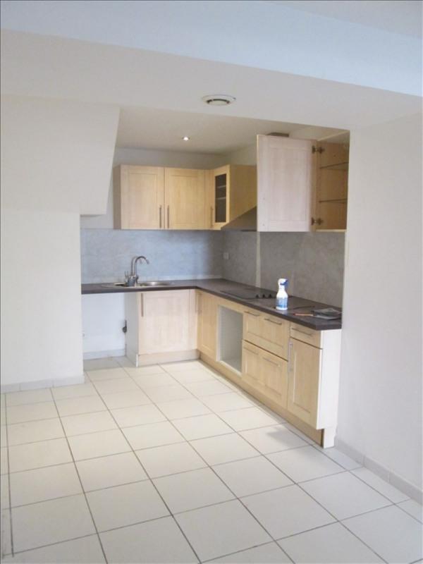 Rental apartment Poussan 782€ CC - Picture 1