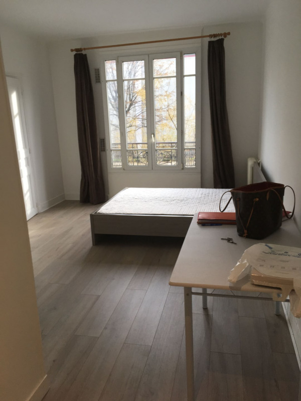 Rental apartment Paris 15ème 850€ CC - Picture 2