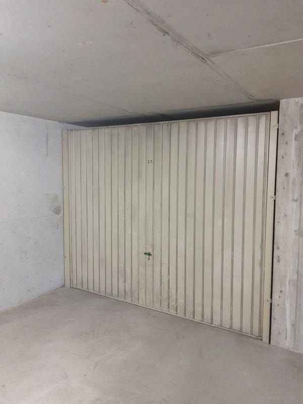 Location parking Lyon 8ème 80€ CC - Photo 1