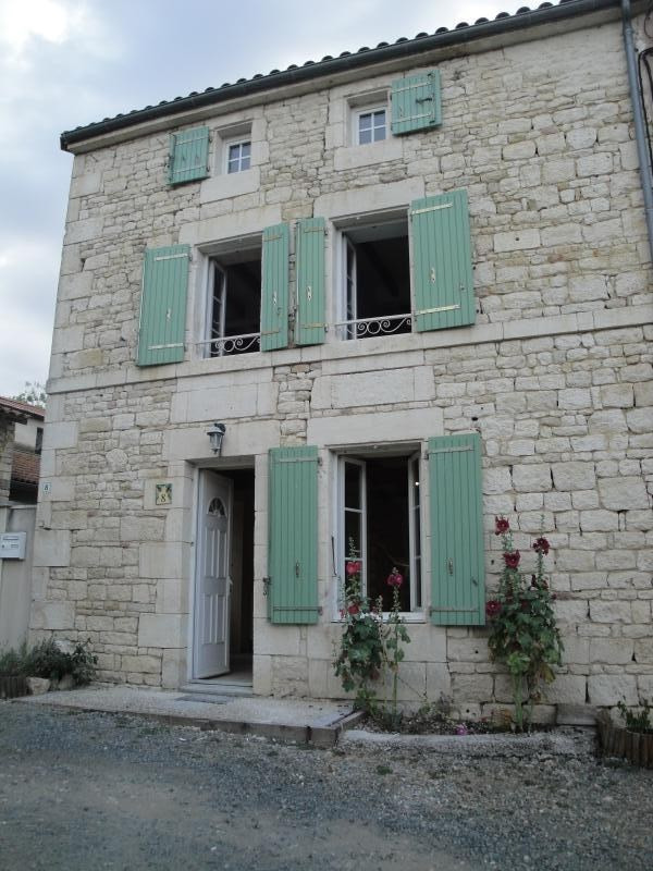 Rental house / villa Sansais 770€ CC - Picture 1