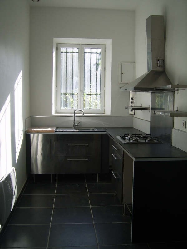 Rental apartment Nimes 580€ CC - Picture 1