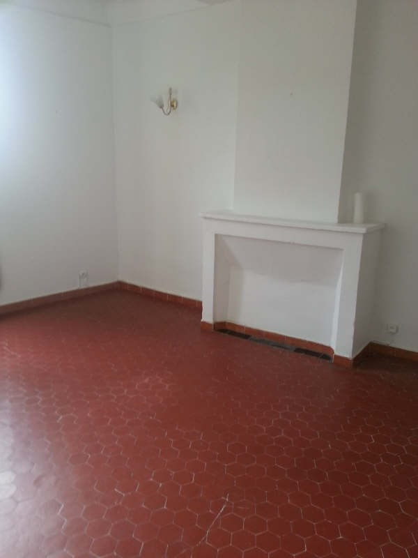 Location appartement Grans 470€ CC - Photo 2