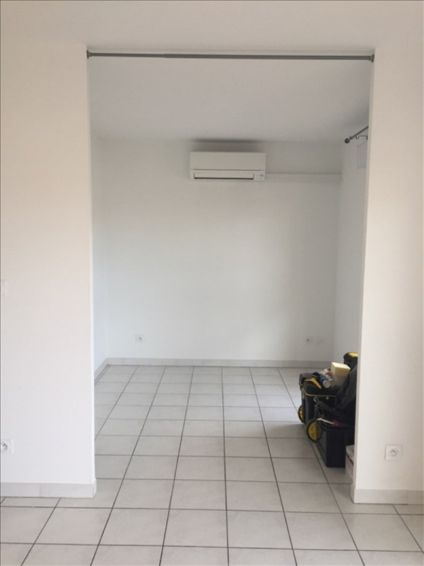 Rental apartment Lattes 600€ CC - Picture 2