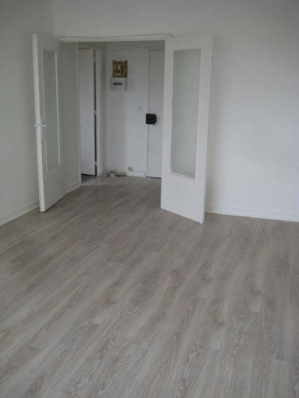 Rental apartment Livry gargan 762€ CC - Picture 5