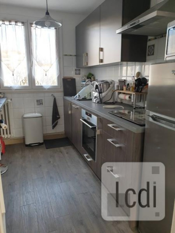 Vente appartement Privas 90 000€ - Photo 2