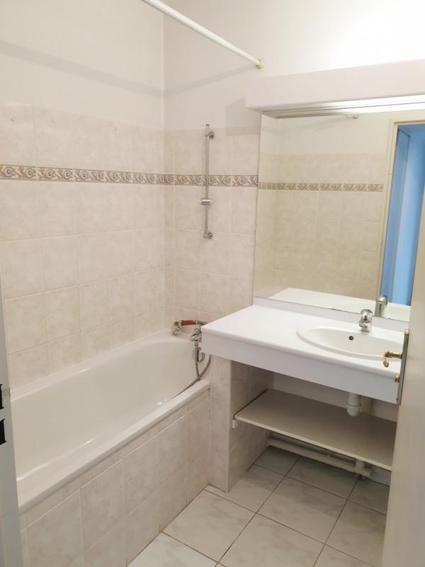 Location appartement Aix-en-provence 1050€ CC - Photo 5