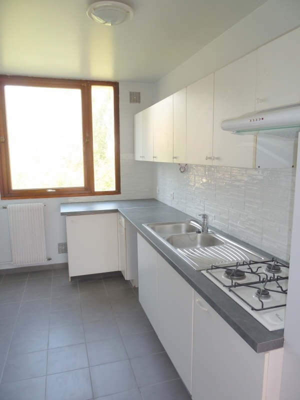 Rental apartment Andresy 895€ CC - Picture 3